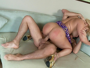 Curvy blonde Shyla Stylez likes a raunchy moment with James Deen