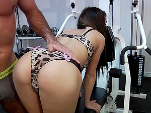 Gorgeous Honeys Get A Sexy FFM Threesome In The Gym