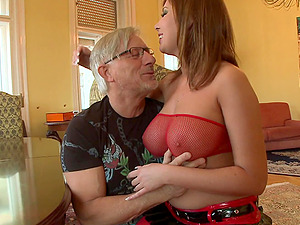 Chubby With Big Tits Having Her Smooth-shaven Snatch Drilled