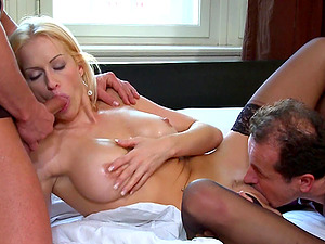 Crazy Mummy Gets Dual Penetrated and Cums Her Brains Out