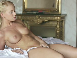 Solo Model With Trimmed Labia Masturbating In A Close Up Shoot