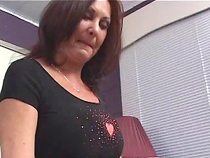 Endearing Cougar Sapphic In High Stilettos Tonguing A Taut Vagina