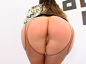 Big Booty Dame Railing A Massive Dick Gonzo Doggystyle
