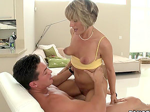 Mature lady wants to attempt youthfull jizz-shotgun and is ready to showcase high class