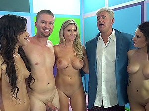 Gonzo group bang-out vid with Jennifer, Brianna Brooks & Chase Ryder