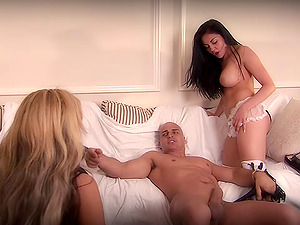 Audrey Bitoni & Carmel Moore share a dick and get facialed in FFM clip