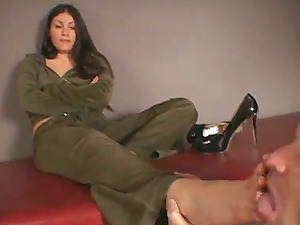 Jade Indica gets her toes tongued after eliminating high high-heeled slippers