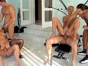 Randy chick loves mass ejaculation style cum-shot after xxx orgy fucking