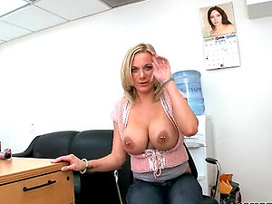 Hot mature blonde got big titties for making nice boobjob for her bf