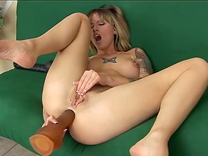 Xxx blonde porn industry star fucktoy fucking her bald snatch and booty