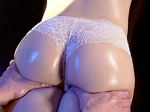 Hot culo honey getting ravaged after an erotic rubdown