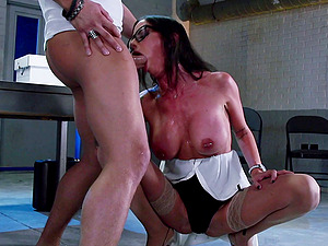 Stockings cockslut detects that aggressive hook-up is her fave kind