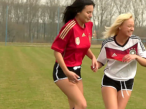 Soccer cuties on the pitch get lost in eating and scissoring