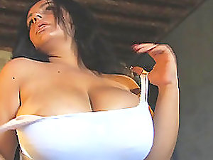 Chubby stunner performs her giant knockers and shows what she can do