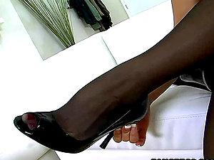 Sexy blonde Sarah Vandella footjobs with her super-cute feet