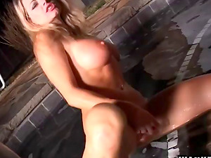 Dirty blonde cougar with massive tits liking a xxx electro-hitachi fuck