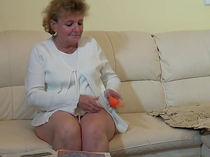Mature lesbo granny spooks her hairy snatch with a plaything in enticing compilation