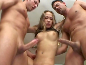 Hard-core Jamie Elle loves dual intrusion & spunk in her mouth