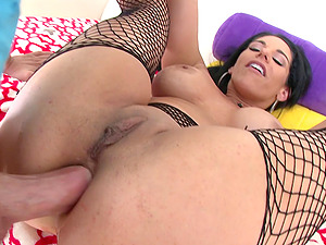Stud uses his thick manstick to explore Bella Reese's arse