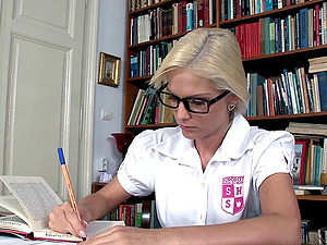 Nerdy coed studying in the library concludes up getting fucked