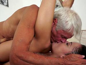 Teenage hooks up with a grandpa and rails his elderly jizz-shotgun