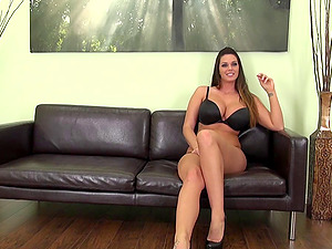 Stunner with natural forms and big tits gets banged