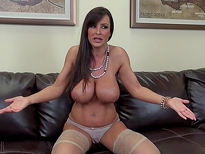 Big titted mummy bi-atch Lisa Ann fucked in sexy stockings