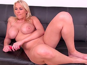 Wicked curvy Alanah Rae throats a dick and gets pounded