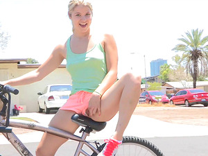 Public hump with sassy blonde stunner penetrating her cunt a bike's part