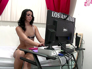 Horny office assistant seduced her manager only to be fucked in reality hookup