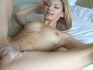 Athletic senorita is glad to provide her paramour with a cowgirl rail