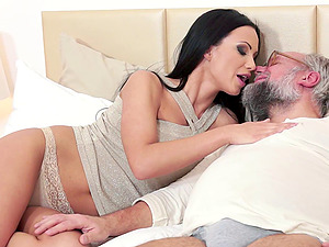 Dirty grandpa with a stunning big tits sweetheart that loves his dick