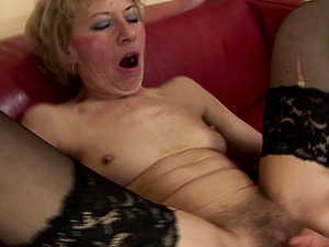 Impeccable cougar cheerfully takes the pecker directly into her ass hole