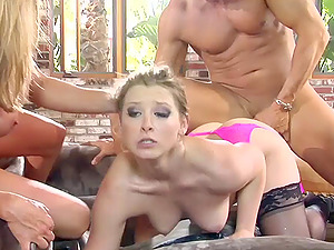 Hot blonde women with a fervor for dick have a threesome