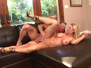 Big-boobed Blonde Housewife Devon Lee Pierced Beaver Fucked