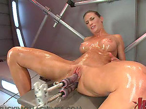 Hot Stunner Works Up A Hot Sweat As She Gets Drilled By A Fucking Machine