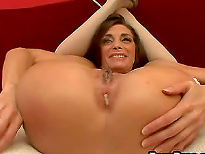 Taking it up the butthole ain't a problem for Cheyanne Hunter