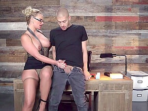 Flamboyant blonde chief wants to have her cunt drilled hard!