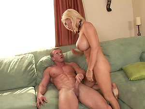 Big faux cougar tits and curvy hips on this horny gonzo cockslut