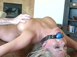 Blonde model with very nice tits bonked during the Sadism & masochism have fun