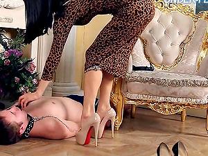 Mistress Gabriella knows how to treat the servant victims