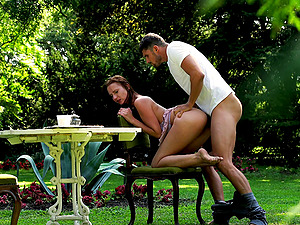 Dark-haired with nice dick sucking abilities getting shagged in the backyard