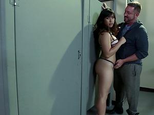 Xxx screwing session in the bathroom with Mia Li