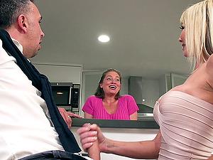 Tylo Duran still loves having a dick inwards her hairless tunnel