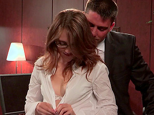 Classy hot booty stunner with shaven cunt banging on gigantic dick in office