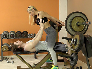 Sarah Vandella entices her trainer with those amazing kinks