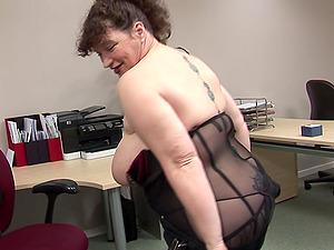 Big tits matured chubby passionately drilling labia using fucktoy