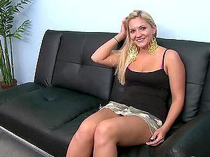 Big-titted blonde Arabella Noelle shows her jizz-shotgun sucking abilities
