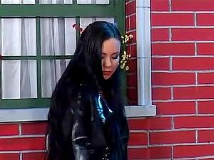 Exotic beauty Valentina Velasquez hot hook-up