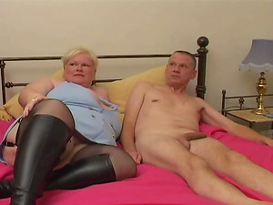 Fat mature chick hankers to be ravished by a skillful fellow